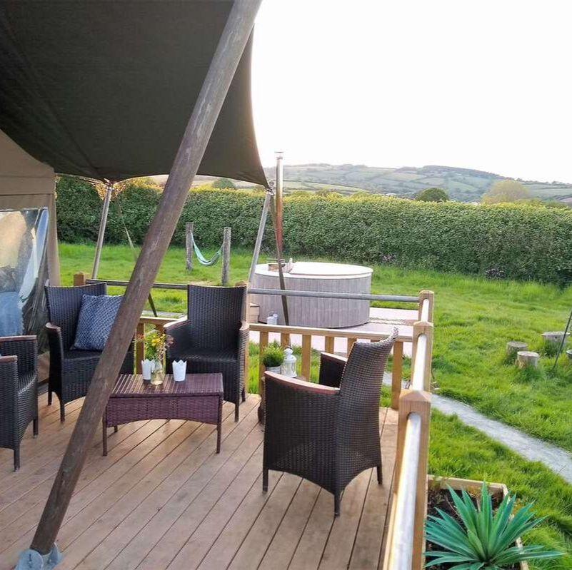 Glamping with hot tub, safari tent near Devon